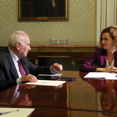 Imatge de la ministra de Política Territorial, Meritxell Batet, i el conseller de Relacions Internacionals, Ernest Maragall, a la reunió del 23 de juliol a Madrid