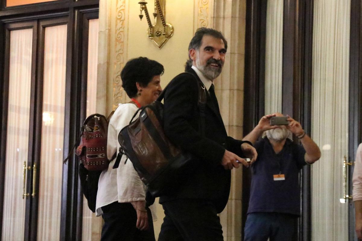 El president d'Òmnium Cultural, Jordi Cuixart, arribant al Parlament el 10 d'octubre del 2017 / ACN