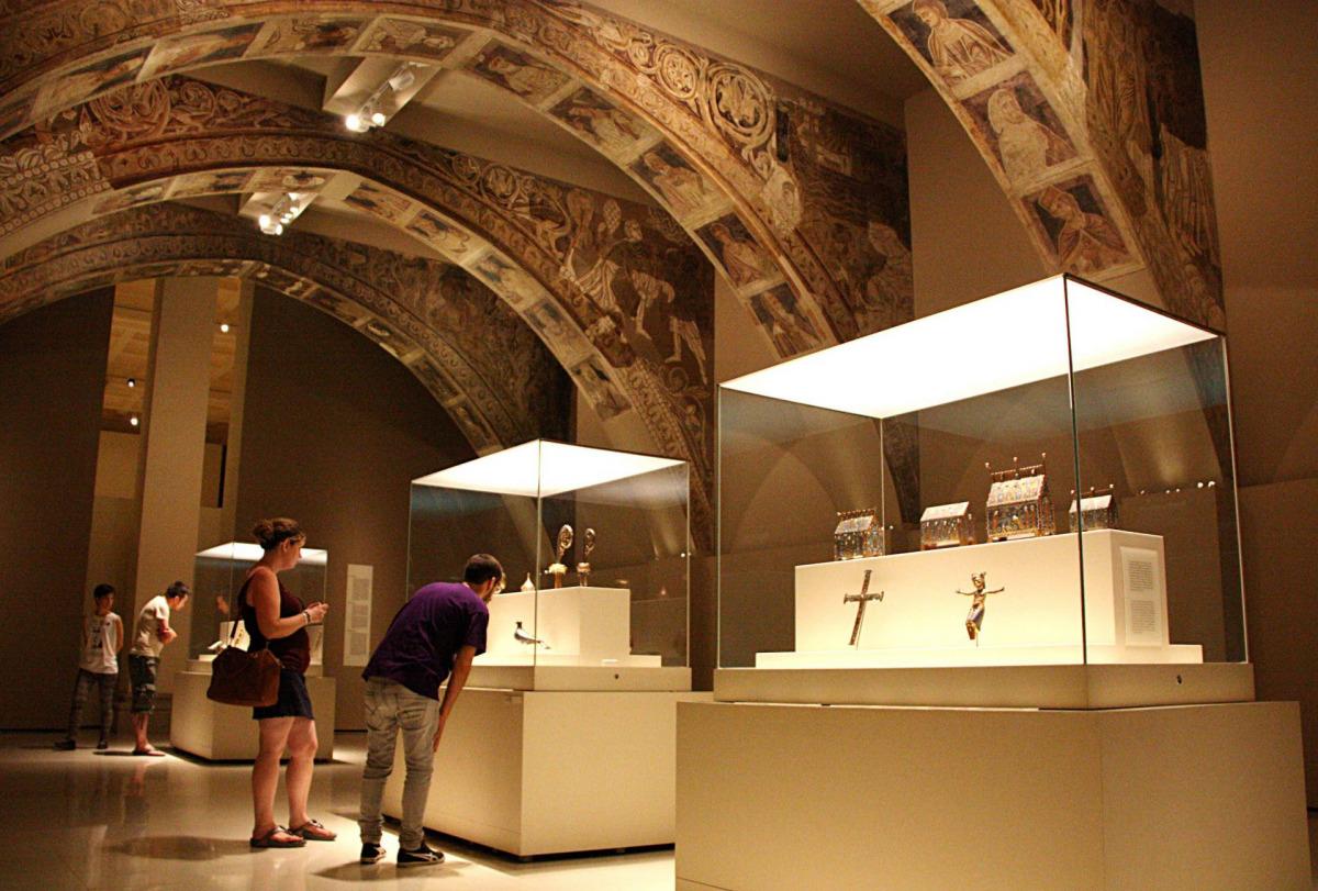 La sala del MNAC on s'exhibeixen les pintures murals de Sixena en conflicte judicial amb l'Aragó, en una imatge d'arxiu / ACN