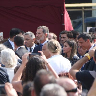 Arribada de Felipe VI a l'acte d'homenatge a les víctimes del 17-A a la plaça Catalunya/ Andrea Zamorano
