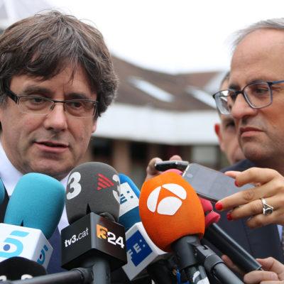 Quim Torra i Carles Puigdmeont durant l'antenció als mitjans després de la reunió a l'hotel Martins de Waterloo, a Bèlgica/ Natàlia Segura