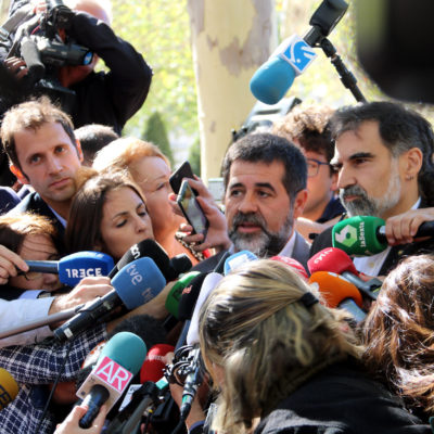 Jordi Sànchez, atenent els mitjans de comunicació davant l'Audiència Nacional, el 6 d'octubre de 2017 / ACN