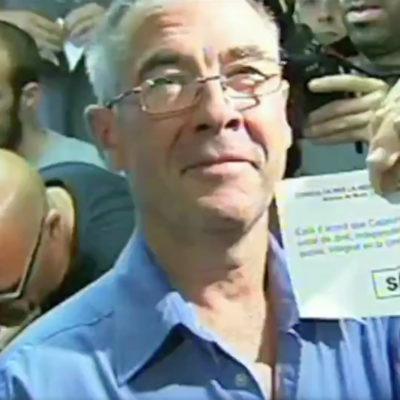 El primer català que votava a la consulta d'Arenys de Munt/ Twitter @KasperJuul_0
