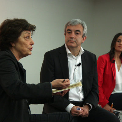 Luis Garicano amb Inés Arrimadas i Antònia Monés en una conferència sobre finançament, el maig de 2016/ Julià N.