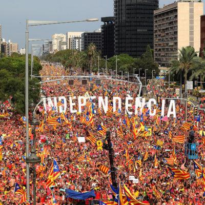 Manifestació a l'avinguda Diagonal de Barcelona en motiu de la Diada Nacional de Catalunya