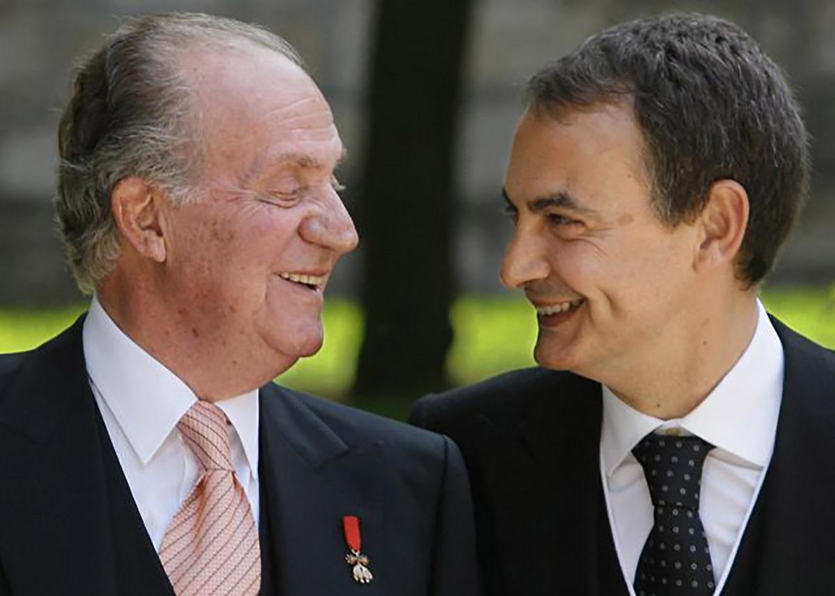 Juan Carlos I amb José Luís Rodríguez Zapatero, en una imatge d'arxiu