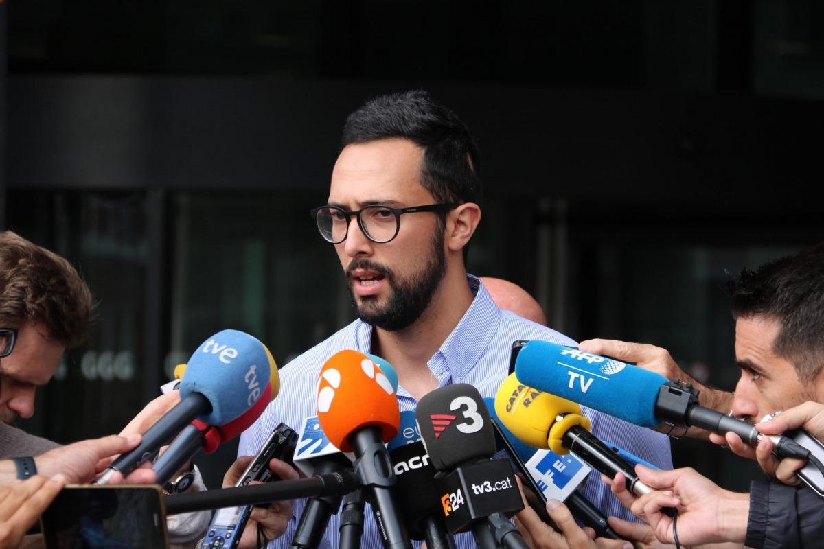 Josep Miquel Arenas, Valtònyc, durant l'atenció als mitjans després de comparèixer als jutjats de primera instància de Gant el 3 de setembre del 2018 / ACN
