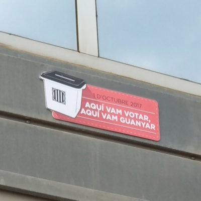 Placa commemorativa dels estibadors per l'1-O