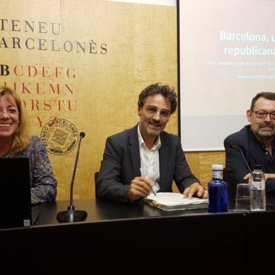 Xavier Martínez-Gil presentant la seva candidatura