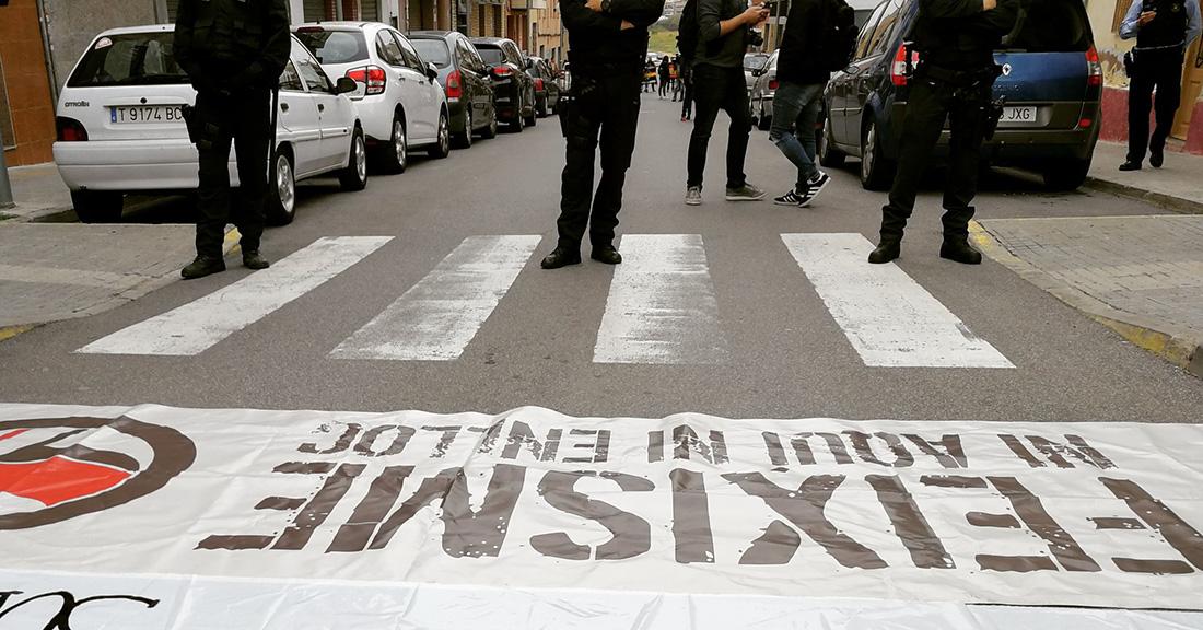 Antifeixistes, contra un acte de VOX a Tarragona/ Twitter @Arran_Tarragona