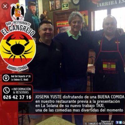 Yuste, en un bar franquista/ Twitter @cladra17