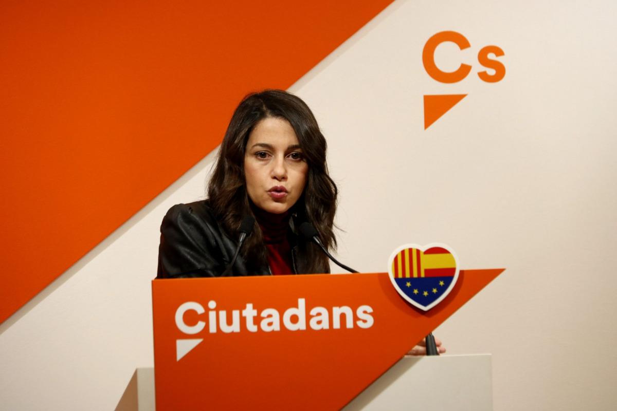 La líder de Cs a Catalunya, Inés Arrimadas, en roda de premsa a la seu del partit / ACN