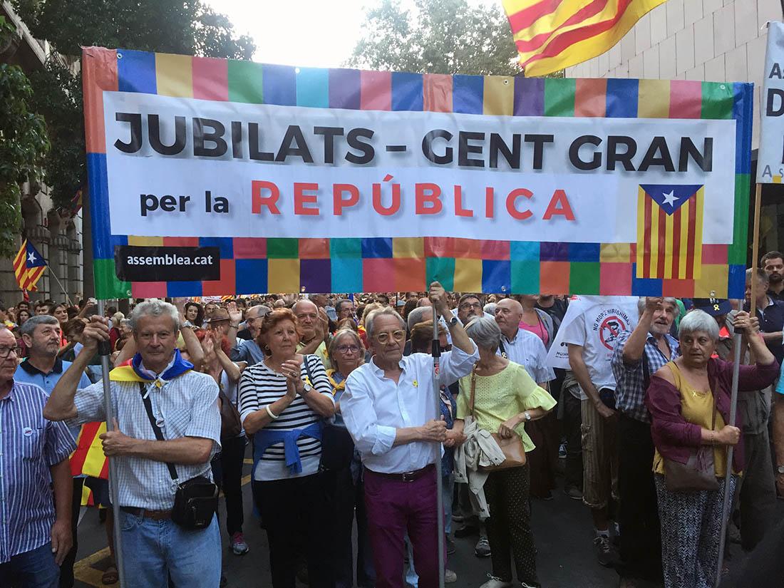 Els 'jubilats per la República', en una manifestació