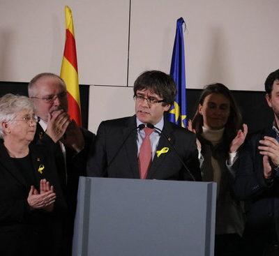 Carles Puigdemont, amb altres consellers del Govern legítim exiliats / ACN