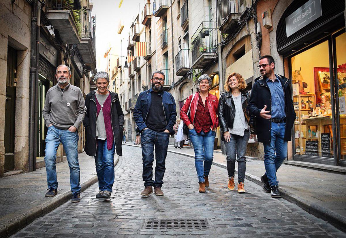 Elisenda Alamany amb els candidats de Guanyem Girona/ Twitter @GuanyemGirona