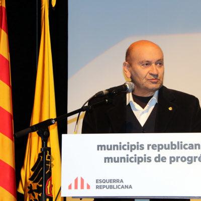 L'alcalde de la Torre de Capdella, Josep Maria Dalmau, presentant la candidatura per les municipals amb ERC