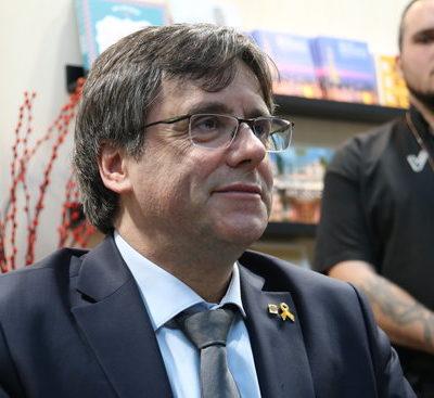 Carles Puigdemont, durant una firma de llibres a Brussel·les