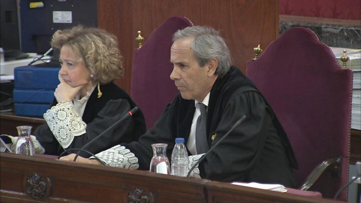 Els fiscals Jaime Moreno i Consuelo Madrigal, el 19 de febrer del 2019 al judici de l'1-O que se celebra al Tribunal Suprem