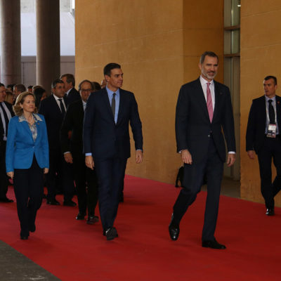 Les autoritats amb el rei Felipe VI, el president espanyol Pedro Sánchez i el president Quim Torra entrant al recinte de Gran Via de la Fira, on se celebra el Mobile World Congress 2019