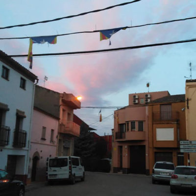 Encaputxats han arrencat estelades a Torrelameu/ Facebook @ajuntamenttorrelameu