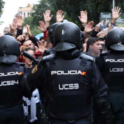 Agents de la policia espanyola, l'1-O