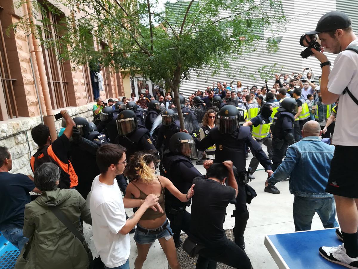Imatge d'una càrrega policial l'1-O