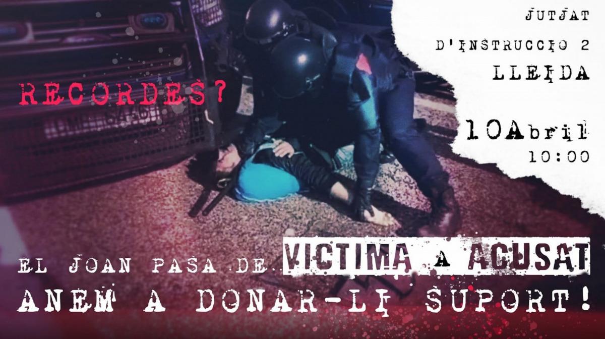 Concentració de suport a un bomber denunciat per un mosso després d'una acció contra la detenció de Puigdemont