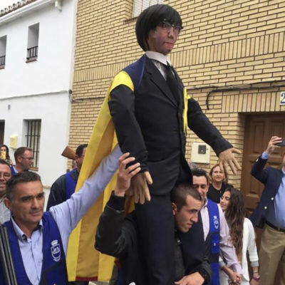 Ninot de Puigdemont linxat a Coripe