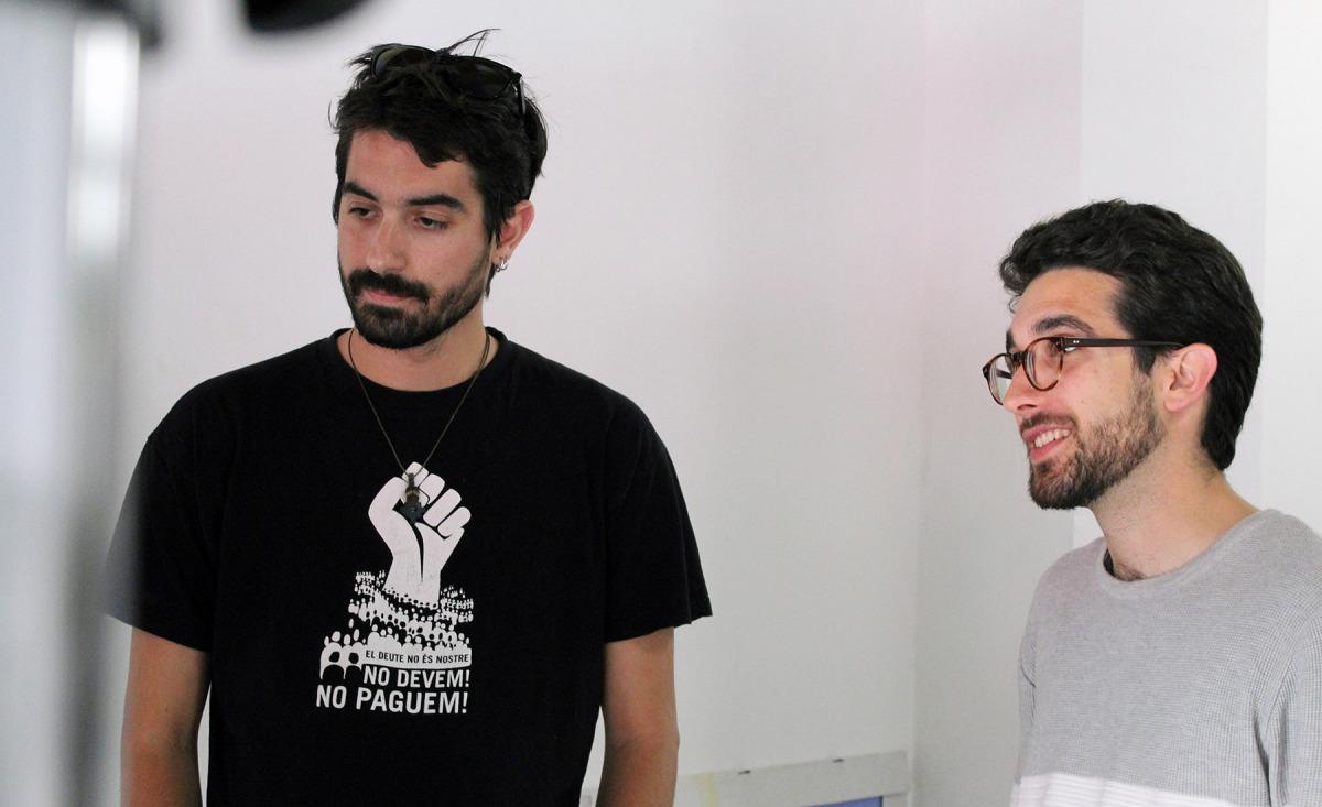 Max Carbonell i Robert Guixaró, coautors de l'informe d' XNet #FAKEYOU – Fake news i desinformació: monopolis de la manipulació informativa i retallades de llibertat d'expressió/ Joan Solé