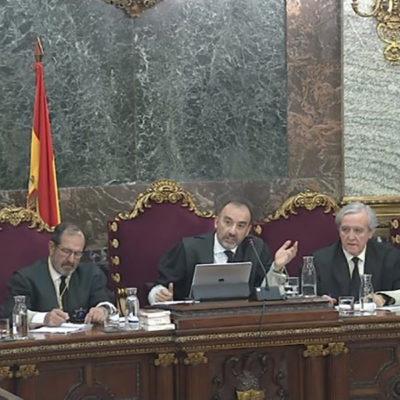 Pla general del tribunal del judici de l'1-O al Suprem, amb el jutge Luciano Varela a l'extrem esquerre