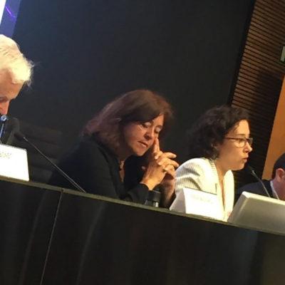 Imatge del debat sobre recerca i innovació amb grups polítics que es presenten a les municipals de Barcelona/ Twitter @bcnescapital
