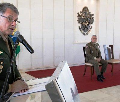 El general Edson Leal Pujol durant la visita realitzada per Francisco Javier Varela Sales, Cap de l'Exèrcit de Terra espanyol/ Web de l'exèrcit de Brasil