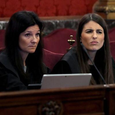 L'advocada de l'Estat , Rosa María Seoane (esquerra)