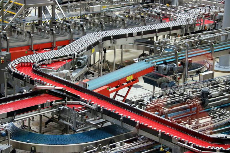 Una de les línies de producció de la planta de Coca-Cola de Martorelles