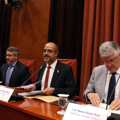 El conseller d'Interior, Miquel Buch, amb el director general dels Mossos, Andreu Joan Martínez, i el president de la comissió d'Interior del Parlament, Matías Alonso