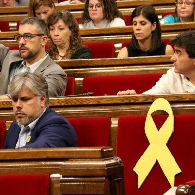 El president d'ERC al Parlament, Sergi Sabrià, i el portaveu de JxCat, Albert Batet