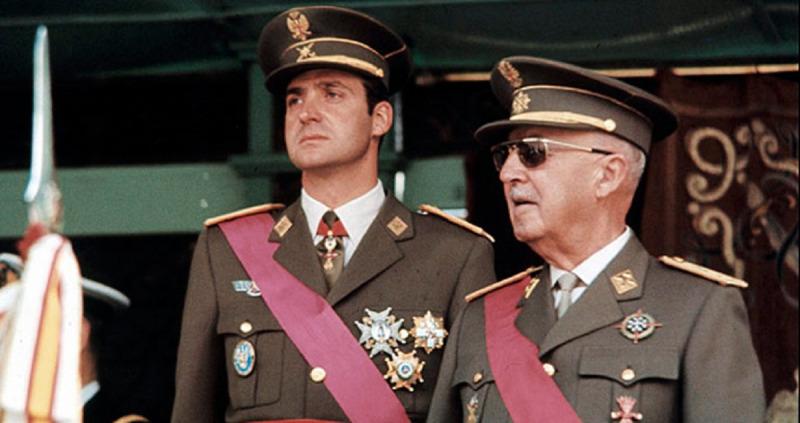 Juan Carlos I amb Francisco Franco, en una imatge d'arxiu
