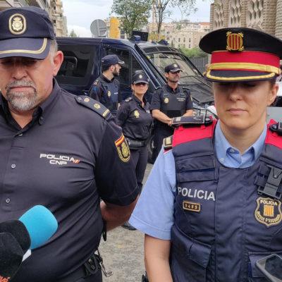 La inspectora de Mossos, Mònica Lluís, i l'inspector de Policia Nacional, Pedro Santo