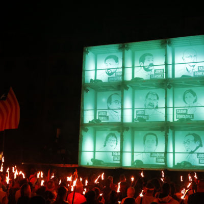 Pla general de l'espectacle on s'ha recordat als presos polítics