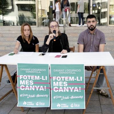 Presentació de la campanya de solidaritat amb l'activista de Girona acusat d'ultratge a la banderaPresentació de la campanya de solidaritat amb l'activista de Girona acusat d'ultratge a la bandera