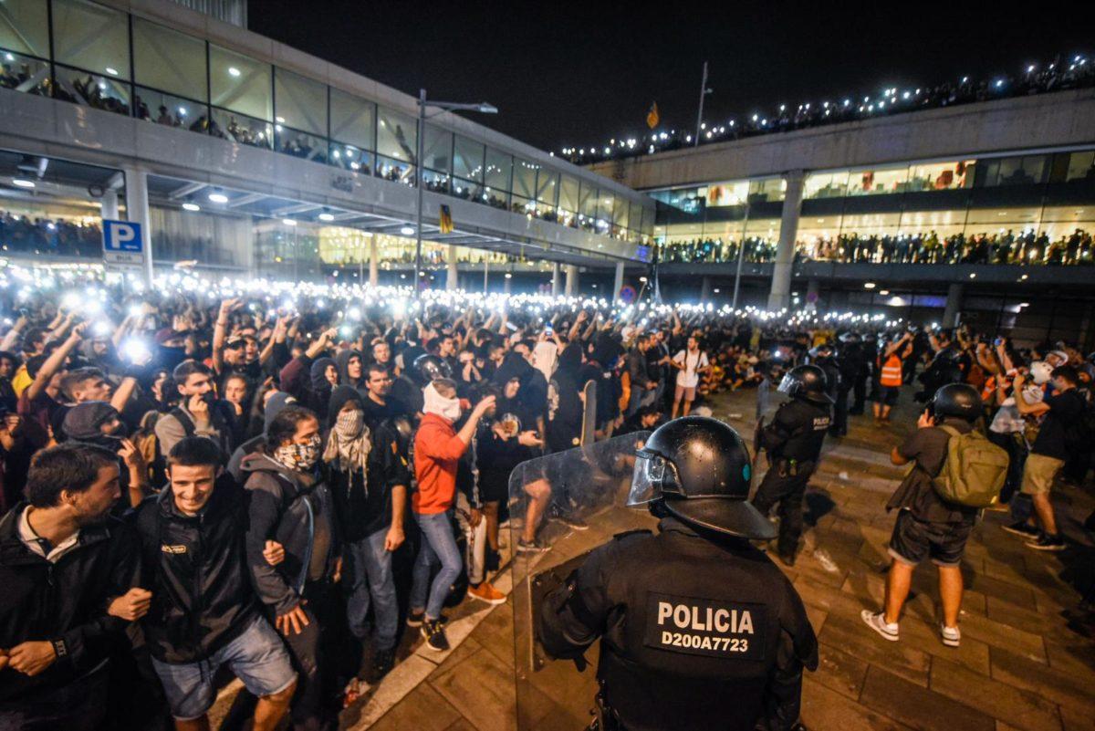 Imatge de la protesta convocada a l'aeroport de Barcelona pel 'Tsunami Democràtic'