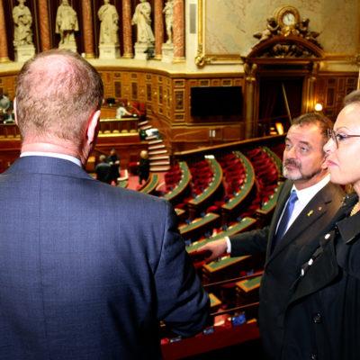 El conseller d'Acció Exterior, Alfred Bosch, durant una visita al Senat francès amb alguns senadors