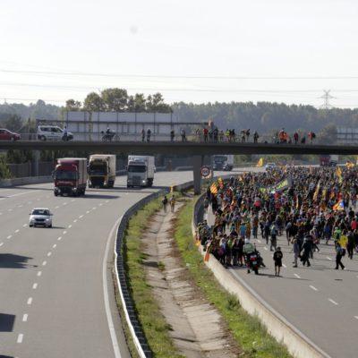 La 'marxa per la llibertat' de Girona passant per l'autopista AP-7, el 16 d'octubre del 2019