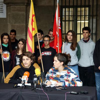 Els portaveus del SEPC i Arran durant la roda de premsa