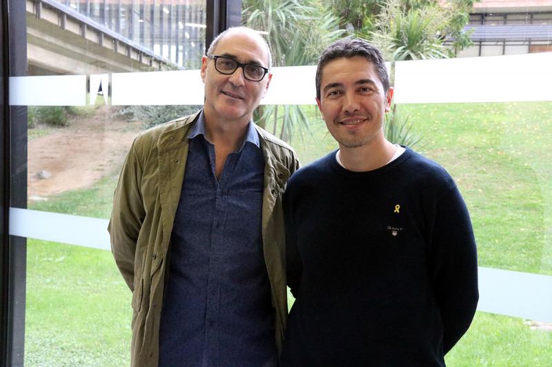 Eduard José Cunilleras, professor de la UAB i un dels impulsors del manifest, i Vicenç Robles, claustral de la UAB i membre de la Intersindical Alternativa de Catalunya