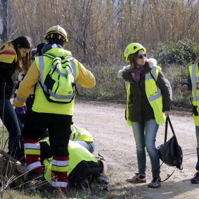 Sanitaris per la República atenent ferits a Medinyà