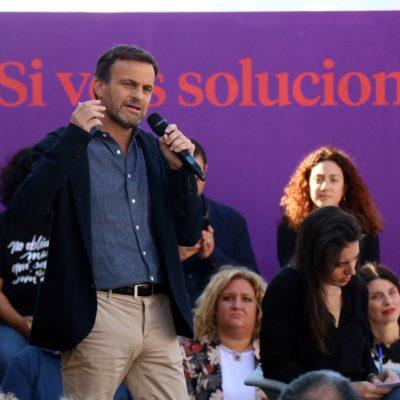 Jaume Asens en un acte de campanya electoral d'En Comú Podem a Santa Coloma de Gramenet
