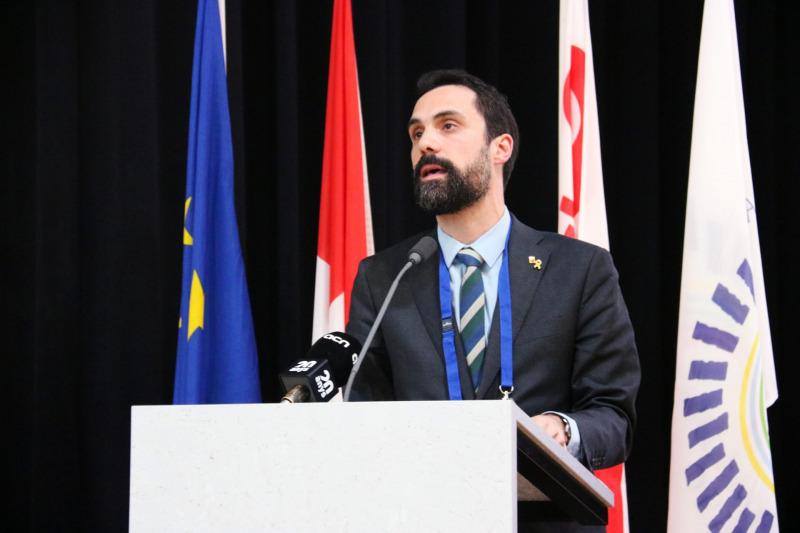 El president del Parlament de Catalunya, Roger Torrent, adreçant-se als representants de l'Assemblea Parlamentària de la Francofonia