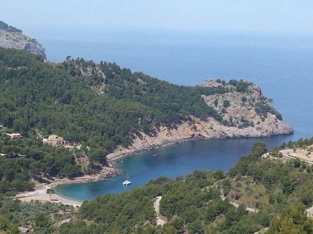 Cala Tuen al municipi d'Escorca, el més petit de les Illes