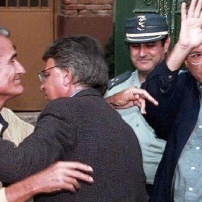 """El dia que Felipe González va acompanyar Vera i Barrionuevo a la seva entrada a la presó, el seu suposat sacrifici evitaba que González fos descobert com la """"X"""" del GAL"""